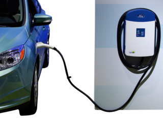 1st 'Electric Highway' charge station in Beatty
