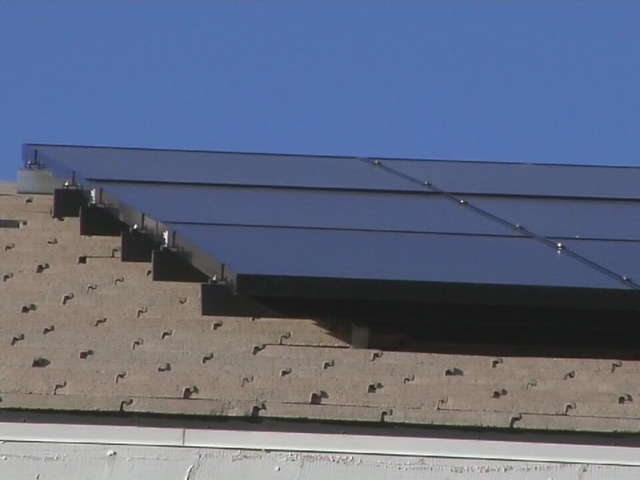 Hundreds show up for meeting about solar rates