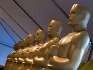 Hart, Del Toro, Goldberg among Oscar presenters