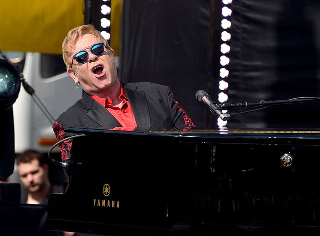Infection forces Elton John to cancel shows