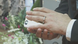 Man marries smartphone at Las Vegas chapel