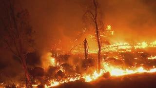 Erskine fire shrouds Las Vegas valley in smoke