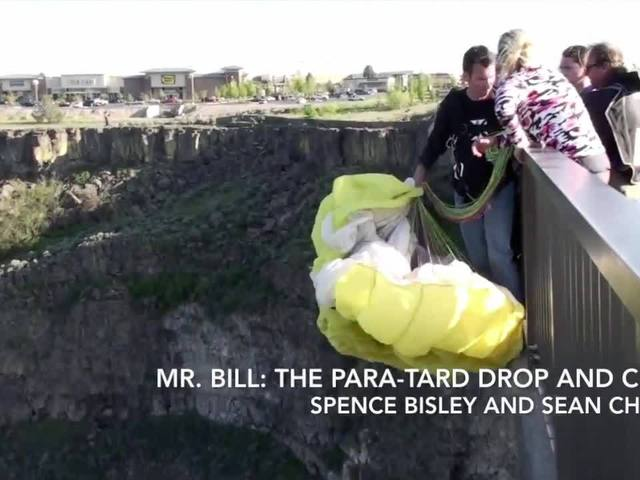 Right This Minute: Amazing parachute pair