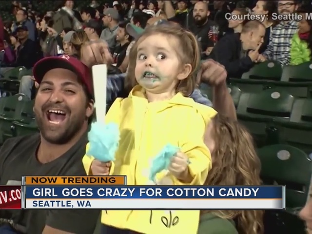 Internet falls in love with cotton-candy girl - Story