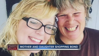 Special shopping bond between mom and daughter