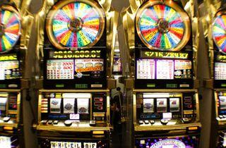 $300,000 jackpot hit at Casino Royale on Strip