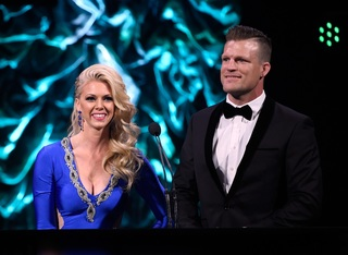 PHOTOS: Stars at the MMA Awards in Las Vegas