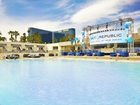 Welcome to pool season in Las Vegas