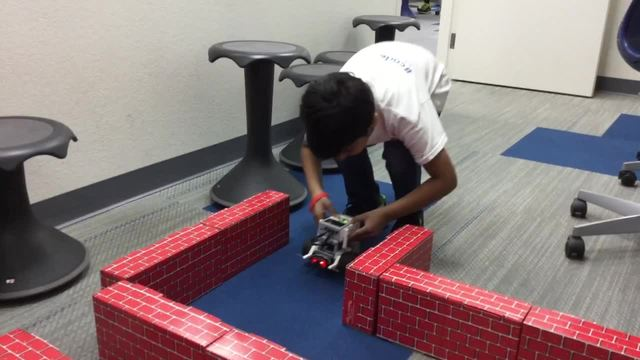 Summer camps teach kids about robotics & more