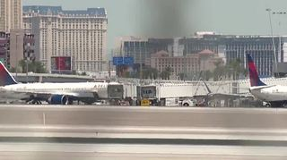 Extreme heat causes delays at McCarran Airport