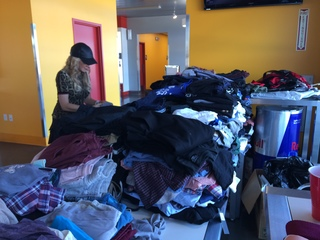 SPEEDVEGAS collecting clothes for students