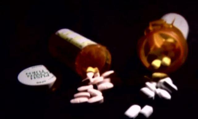 Major health insurance company limits pain pills