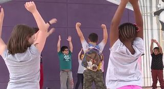 School uses yoga to relieve students' stress