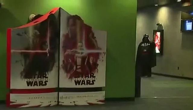 The Last Jedi scene causing movie theaters to post warning