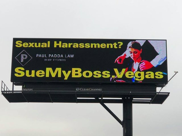 How to Sue for Workplace Harassment foto