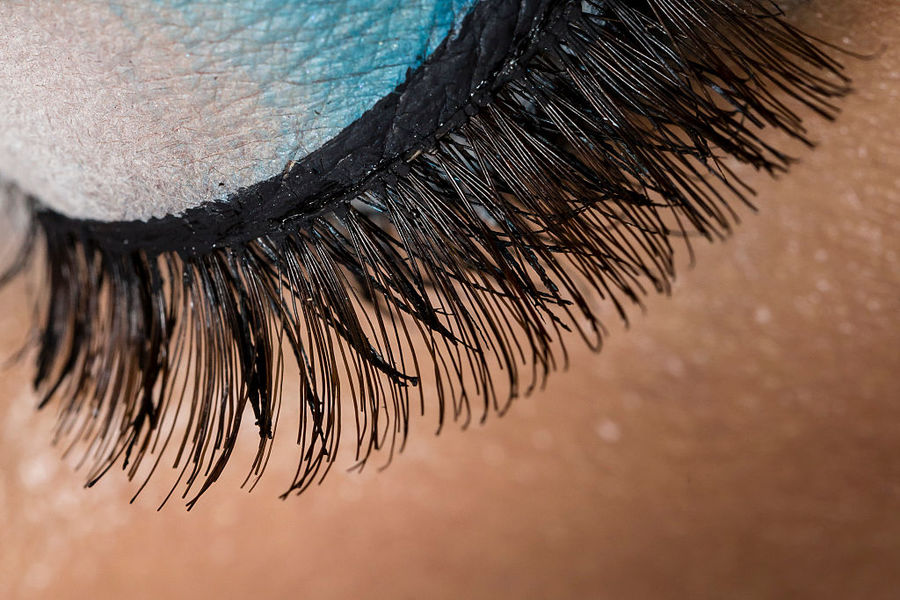 Eyelash Extension Warning What To Know Before You Go To The Salon