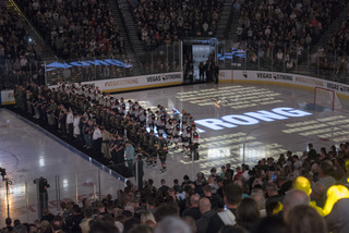 Vegas Golden Knights honor heroes & victims
