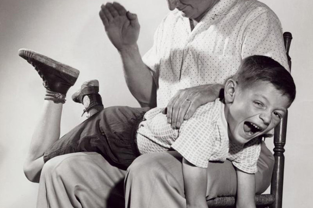 Spanking, Relationship Violence Linked, Study Suggests