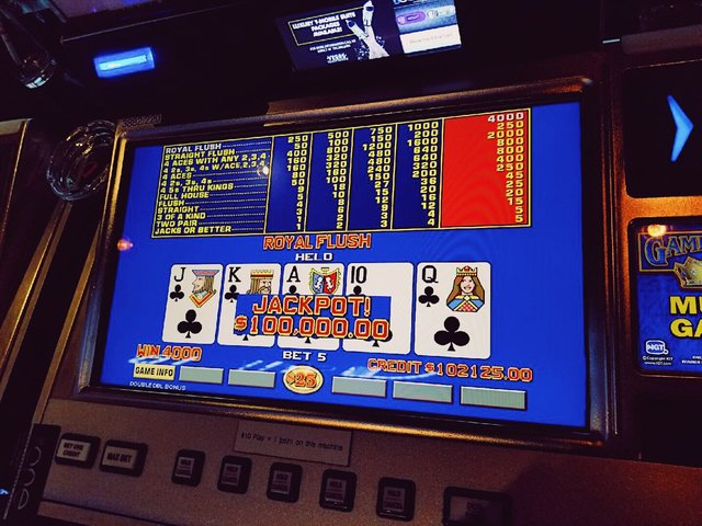 Las vegas strip video poker locking cash box with slot