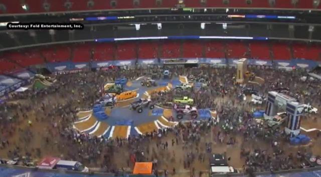 Monster Jam Las Vegas >> Man Woman Burned By Rogue Fireworks At Monster Jam World Finals