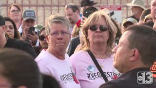 Hundreds honor 1 October mass shooting victims