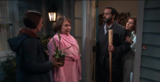 Latest 'Roseanne' episode ruffles a few feathers