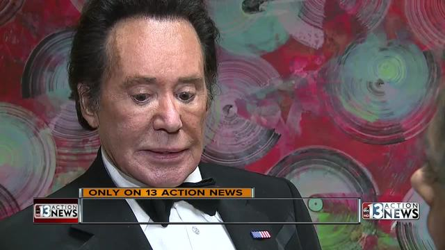 wayne newton emotional after daughter  wife see thieves in home