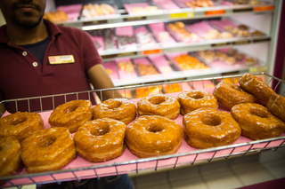 Vegas police hosting Donuts with Dispatchers