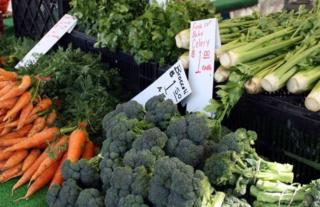 Vegas students to run largest farmers market